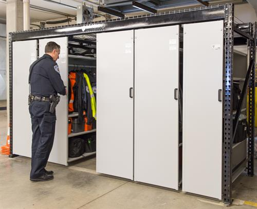 Gallery Image Suspended_Mobile_Storage_system_for_Duty_Gear_at_Fort_Atkinson_Police_Department.jpg