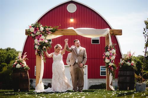 Gallery Image Chase_Carlie_Wedding-ceremony_.jpg