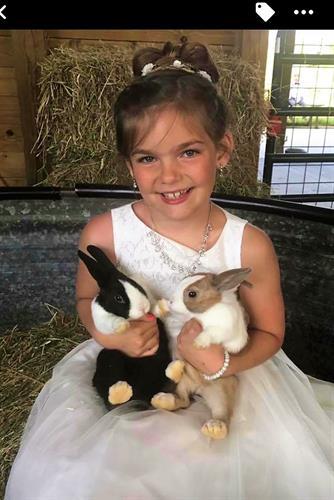 Gallery Image Flower_girl_bunnies.jpg