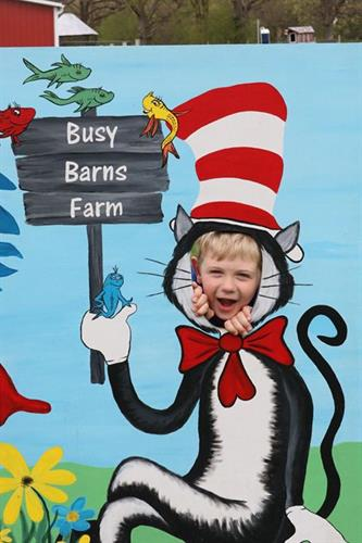 Gallery Image cat_in_hat_and_Emily_FFA_teacher_from_Cambridge_son_2019.jpg