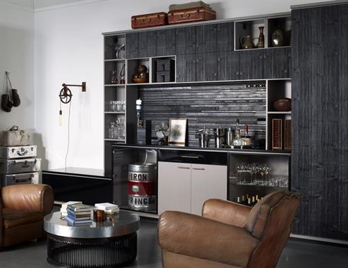 Gallery Image man-cave-wine-bar-classic-cashmere-black-frames-clear-glass-gllry_(1).jpg