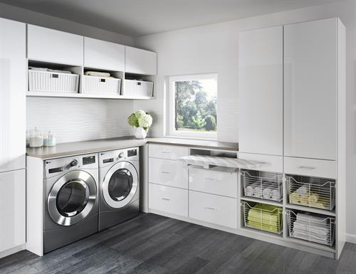 Gallery Image newport-laundry-room-tesoro-tuscan-moon-high-gloss-white-gllry.jpg