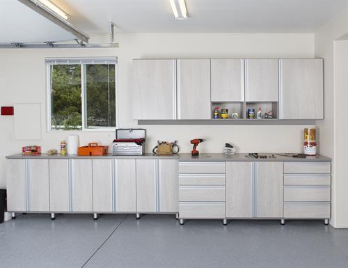 Gallery Image schafer-garage-storage-cabinets-lago-adriatic-mist-classic-cashmere-gllry.jpg