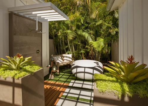 Gallery Image Bungalows_Garden_Tub.jpg