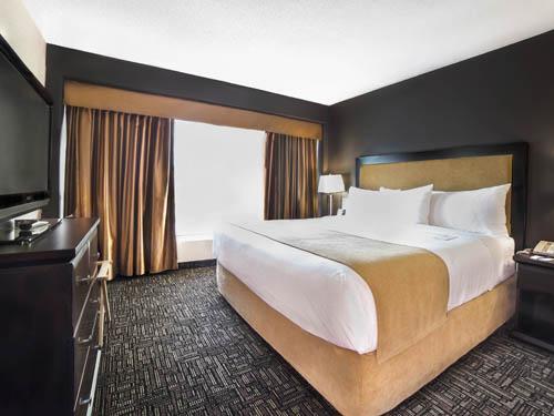 Executive Suite- Bedroom