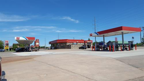 Not only does Northern Lakes Cenex provide Non-Ethanol gasoline, 24 hour pay-at-the-pump option, Clean & fast Car Wash, and Premium Cigars; but it also has the Corner Deli inside! The Corner Deli has many options for Breakfast, Lunch and Dinner on the go!