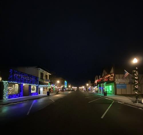 Gallery Image hayward_wi_main_st_lure_of_lights.jpg