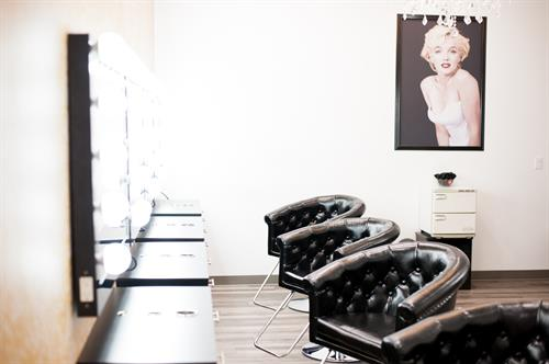 Gallery Image glamour_room-salon.jpg