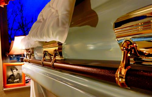 Affordable Caskets and Urns at discounted prices, Three Rivers MA