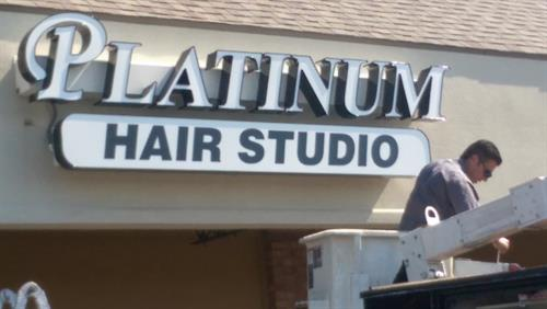 Gallery Image Platinum_Hair_Studio_1.jpg