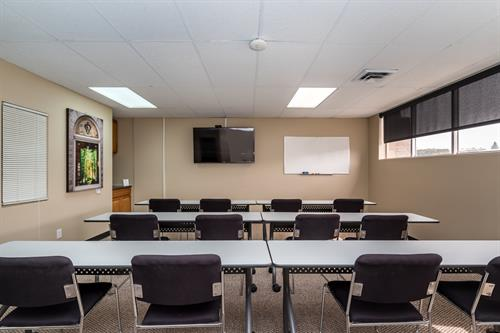 Mt Massive Conference Room for workshops and large meetings for up to 20 people. Hourly and daily rental