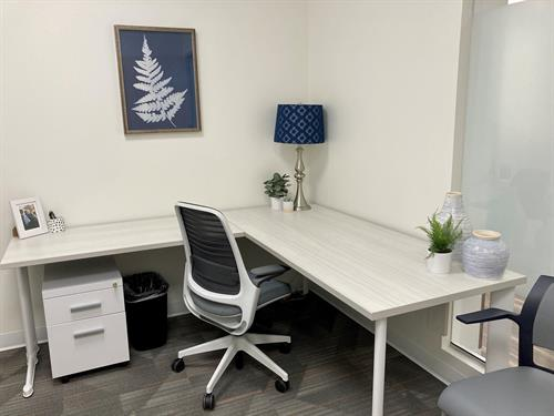 Gallery Image Staged_office_Northglenn.jpg