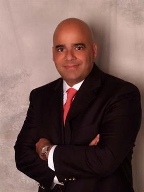 Dr. Alejandro Espaillat