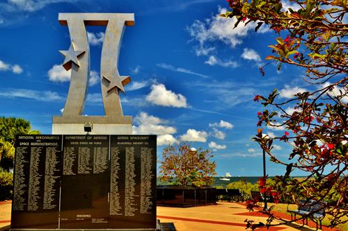 Gemini Monument honors workers at Space View Park