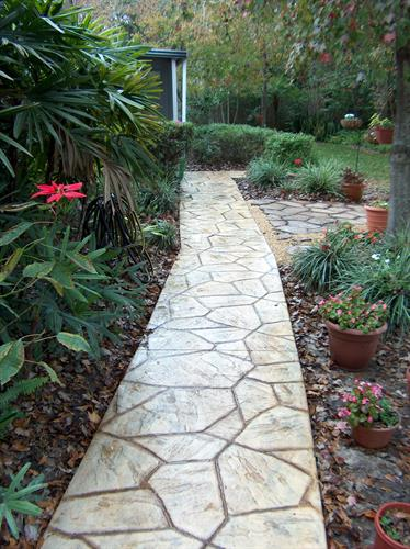 Stamped concrete pattern (Flagstone) in residential pathway
