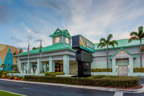 Quality Inn & Suites Cocoa Beach Cocoa Beach Exterior