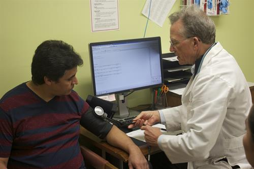 Gallery Image Dr._Hogan_and_HFC_patient.jpg