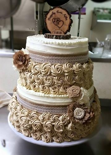 Rustic Themed Wedding Cake
