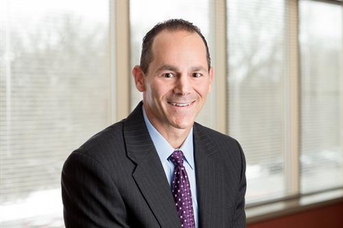 Orthopedic surgeon Clinton Muench, MD