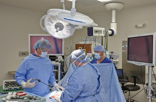 Surgery: minimally invasive procedures, plus 24/7 emergency surgery