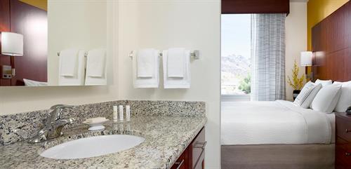 Gallery Image hero-bathroom-hr.jpg