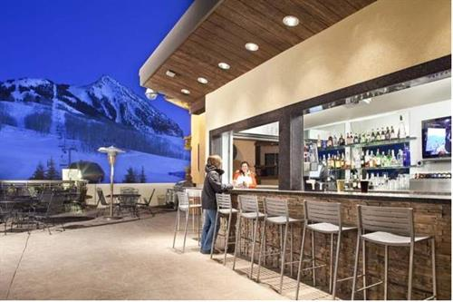 9380 Prime boasts a beautiful outdoor bar with a fantastic view!