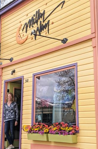 Women's Clothing & Fashion on Elk Avenue in Crested Butte