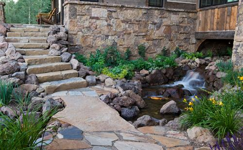 We design and install custom hardscapes