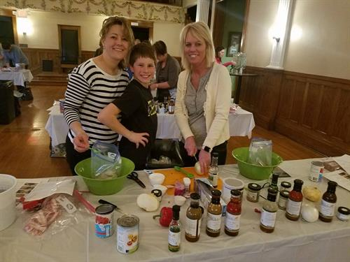 Members of community attend Meal Prep and Cooking Class and go home with 10-20 healthy make ahead meals!