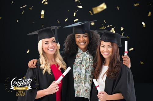 Gallery Image Graduation_Pic.jpg