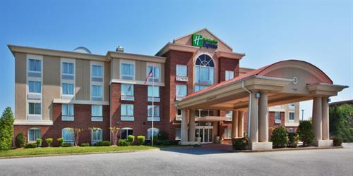 Gallery Image holiday-inn-express-and-suites-suwanee-2533133153-2x1.jpg