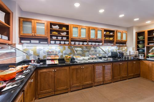 Gallery Kitchen serves complimentary full breakfast daily