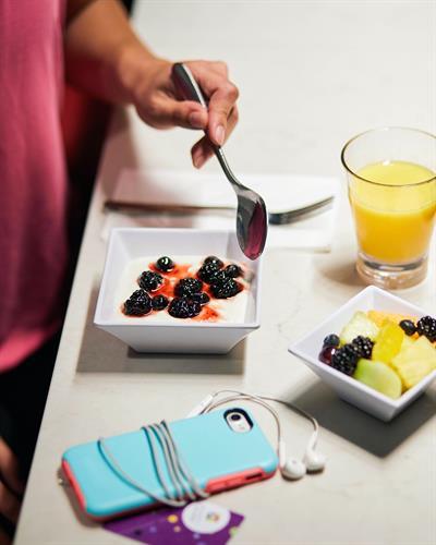 Gallery Image Hyatt-Place-Activewear-Yogurt-Fruit.jpg