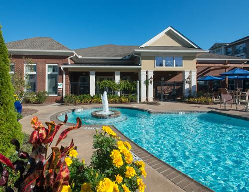 Gallery Image Park_at_Johns_Creek-06-pool_area.jpg