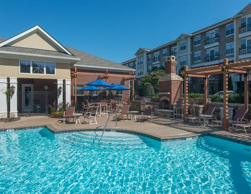 Gallery Image Park_at_Johns_Creek-08-pool_area.jpg