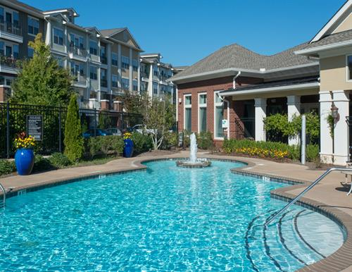 Gallery Image Park_at_Johns_Creek-10-pool_area.jpg