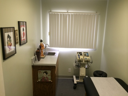 Therapy room for Santa Maria Chiropractor Dr. Ray Arensdorf