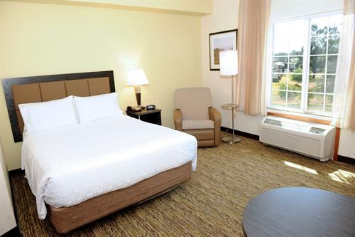Suite offering a work desk, free high speed Internet and flat screen TV