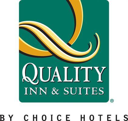 Econo Lodge Plus Inn & Suites