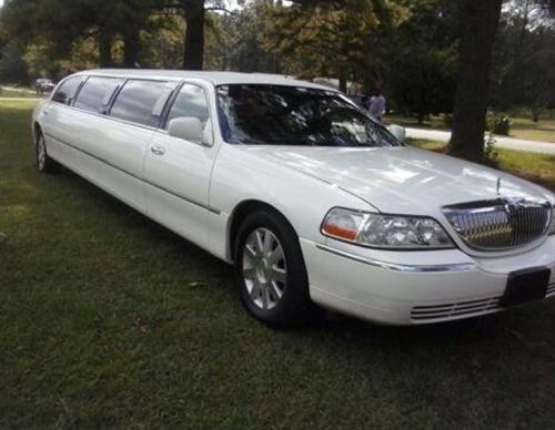 10 Passenger Limousines
