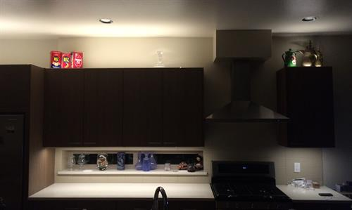 LED Undercabinet: Incredibly high efficacy and even illumination.