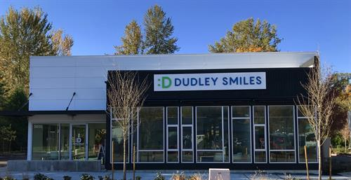 Gallery Image Dudley_Smiles_Sign.jpg