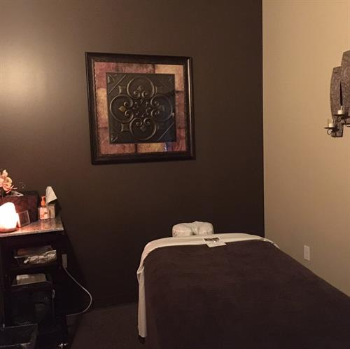 Gallery Image IQ_Massage_Room2.jpg