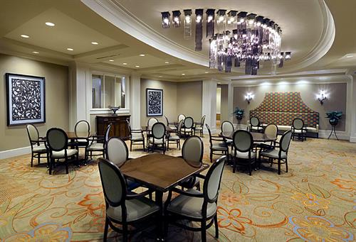 Our dining room offers residents a beautiful setting to enjoy their choice of delicious meals