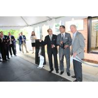 Dunwoody Perimeter Chamber Celebrated Wallis Bank with Ribbon Cutting