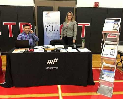Chicago Metro and Waukegan Manpower offices unite at recent job fair