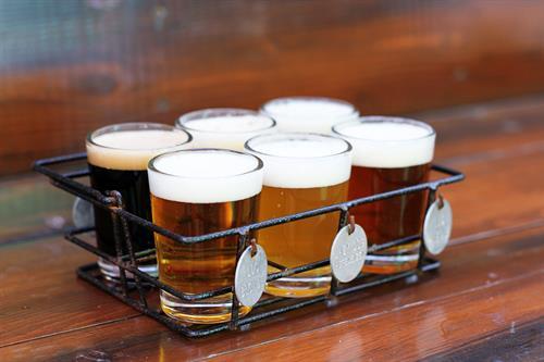 Gallery Image beersampler.jpg