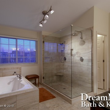 Gallery Image cs_large_master_bath_001a.jpg