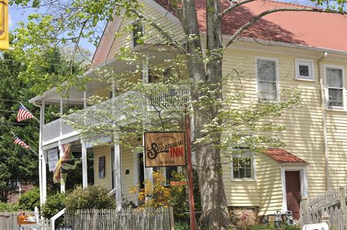 The Old Storehouse Inn