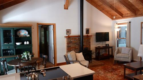 Mountain Crest Cottage - Great Room